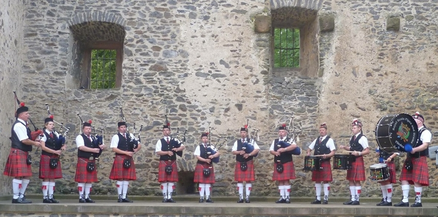 The Royal Scots Pipes & Drums K. F. Flieden